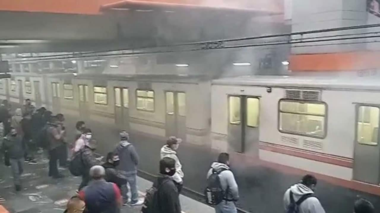 Humo Pantitlan metro CDMX