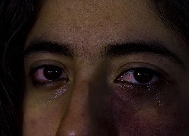 Angela Paterson violada por cura para curar lesbianismo