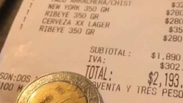 Pagaron dos mil pesos, dejaron siete de propina