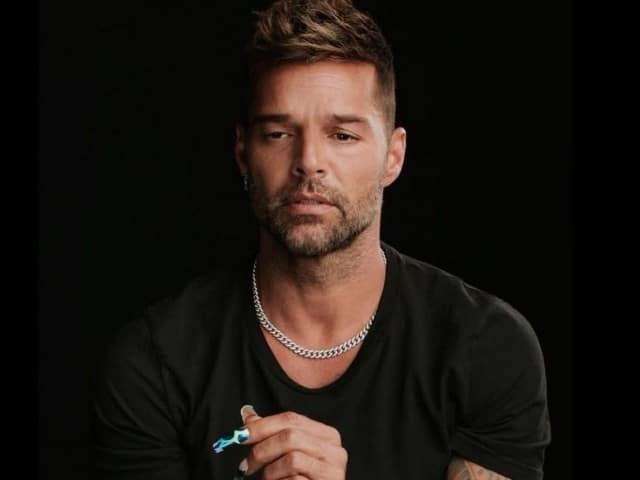 Incentiva Ricky Martin vacunación contra Covid-19