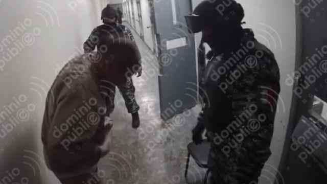 Policías Humillas El Chapo Guzmán Penal Altiplano