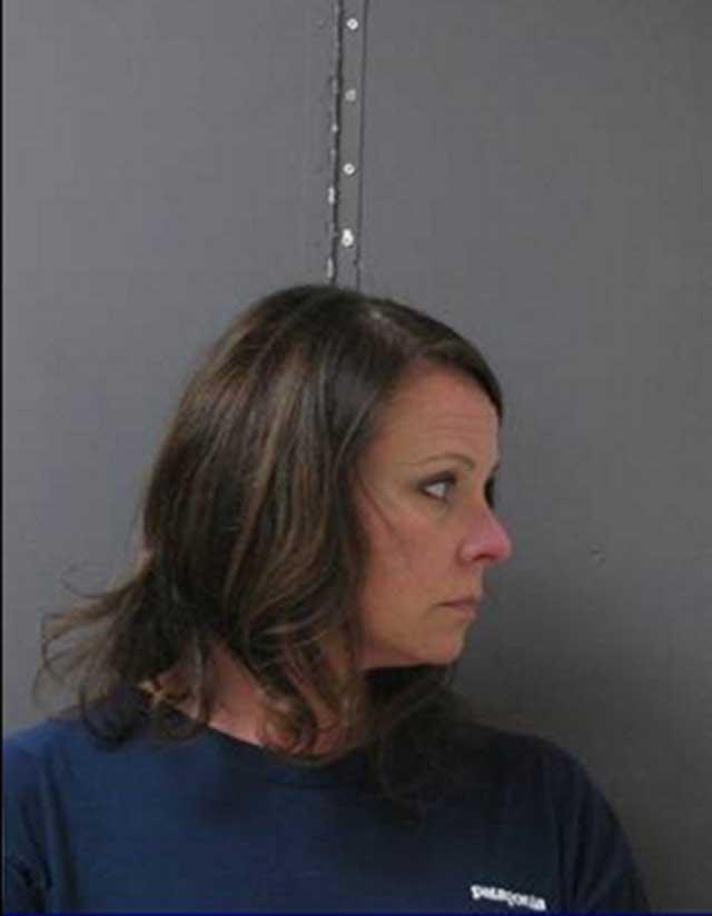 Maestra detenida por sexo estudiantes