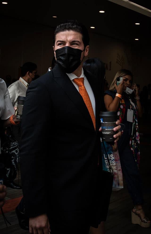 Samuel García pintar fosfo foso México