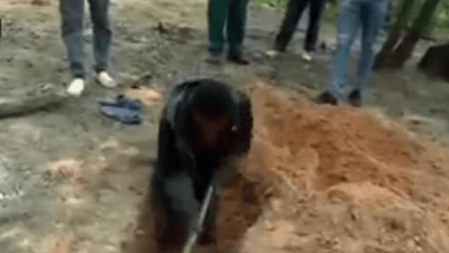 """Un pastor muerte tras intentar """"emular a Jesús"""" enterrándose vivo para resucitar al tercer día"""