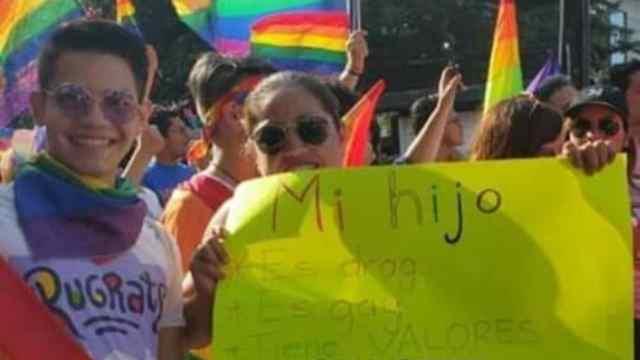 mamá de joven drag queen le dedica mensaje de amor