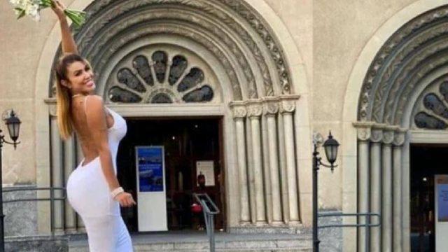 Modelo brasileña se casó consigo misma