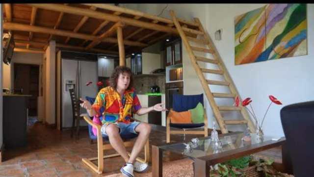 Luisito Comunica compra casa en Venezuela y es llamado usurero