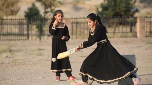 A las mujeres afganas se les prohibirá practicar deporte, dicen los talibanes