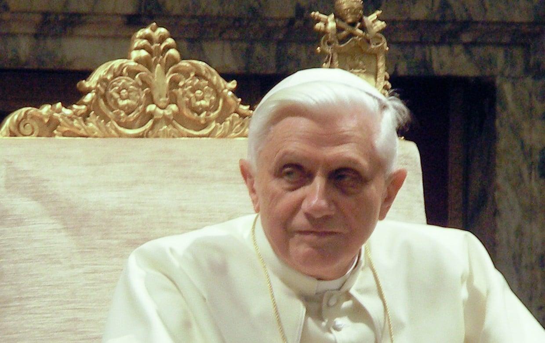 """Matrimonio gay es """"una deformación de la conciencia"""": Benedicto XVI"""