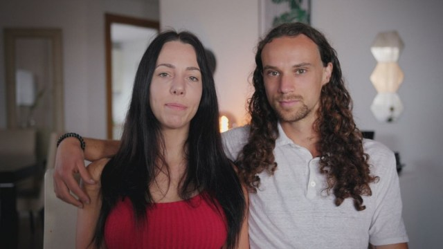 Mujer declara que amamanta a su novio