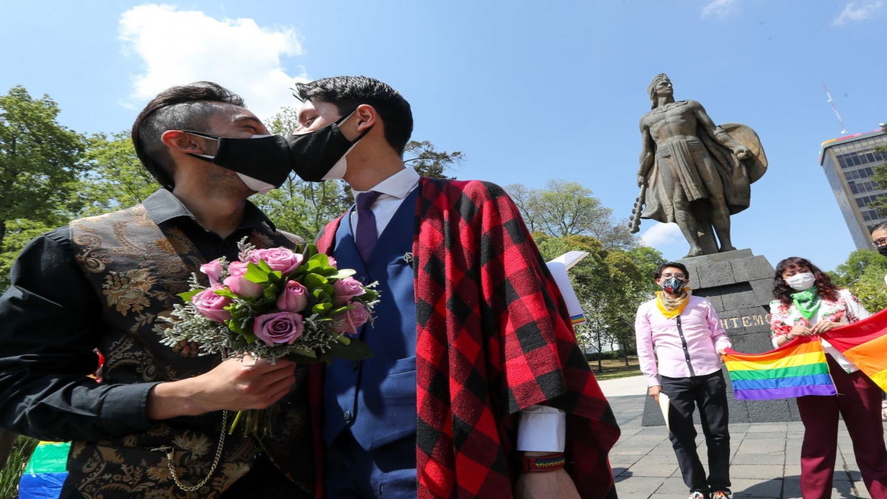 Obispos piden no reconocer matrimonio igualitario