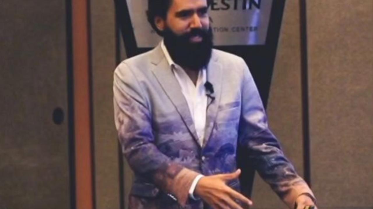 El polémico influencer de negocios Carlos Muñoz es millonario