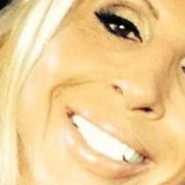 Juez suspende orden de aprehensión contra Laura Bozzo