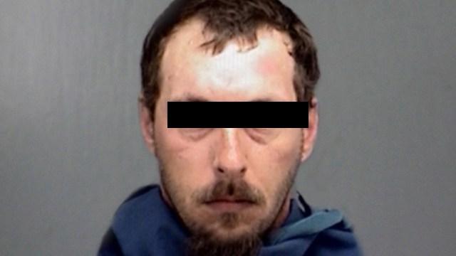 Tras transmisión de su juicio un pedófilo con 45 cargos de delitos sexuales fue golpeado por otros reos