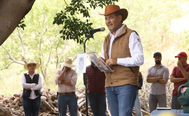 Gobernador de Aguascalientes defiende servicio del Seguro Popular