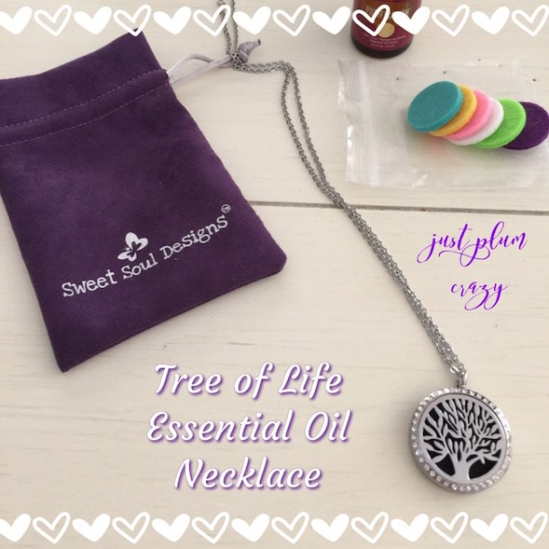 Studies have shown that essential oils can have an effect on our emotions. A single drop is all you need for the day ahead in the essential oil necklace.
