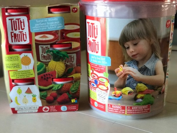 If you are not aware of Tutti Frutti Dough, you might be interested in learning! It is a modelling dough, that is colorful and has amazing fruity scents!