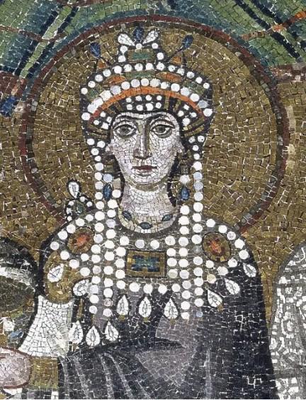 Détail de la mosaïque représentant Théodora (Basillique Saint-Viatal, Ravenne, Italie)