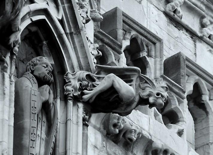 gothic-architecture-gargoyles