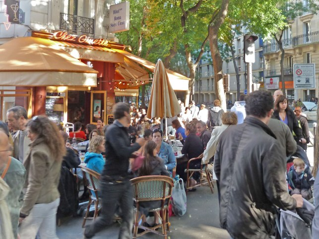 Brocante, rue Caulaincourt, Montmartre