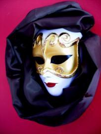 http://www.artesanum.com/artesania-mascaras_venecianas-113803.html