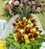 https://centrosdemesaparaboda.com/centros-de-mesa-con-arreglos-frutales/