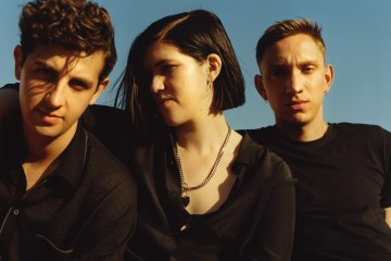 "The xx revela el videoclip para ""On Hold"" . Cusica Plus"