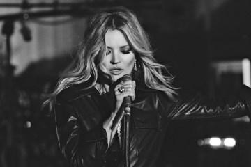 """Kate Moss protagoniza el videoclip para """"The Wonder Of You"""" de Elvis Presley y la Royal Philharmonic Orchestra. Cusica Plus"""