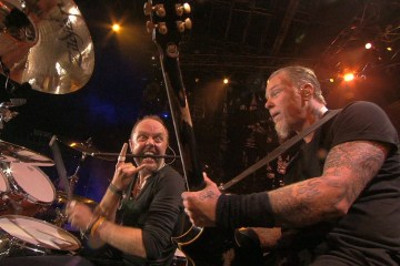 "Metallica toca ""Atlas, Rise!"", ""For Whom The Bells Tolls"" y juegan contra sus fanáticos en Jimmy Kimmel Live!. Cusica Plus"