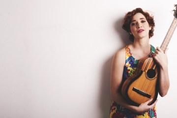 """Laura Guevara estrena sesión en vivo de """"Embriaguez"""". Cusica plus"""