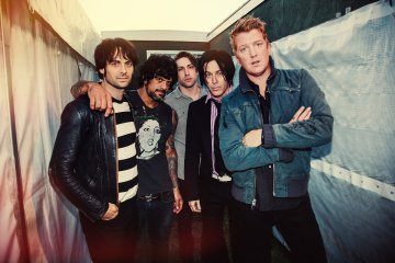 Queens Of The Stone Age prepara álbum de estudio. Cusica plus