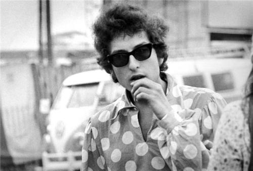 Bob Dylan: el poeta de una humanidad desesperanzada. Cusica plus.