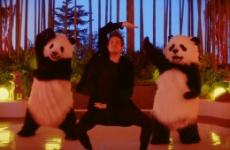 "John Mayer baila en su nuevo videoclip ""Still Feel Like Your Man"". Cusica plus"