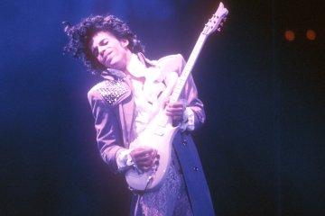 Juez prohíbe lanzamiento de disco póstumo de Prince. Cusica plus
