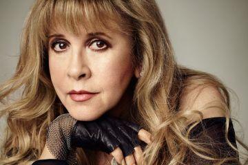 """Stevie Nicks presento su nueva canción: la enternecedora """"Your Hand I Will Never Let It Go"""""""