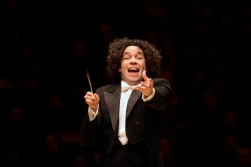 Gustavo Dudamel dirigirá la orquesta Simón Bolívar en Bogotá. Cusica plus.