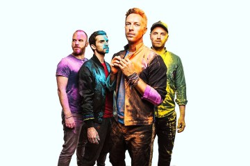 "Escucha a Coldplay rendirle tributo a Chester Bennington con ""Crawling"". Cusica Plus."