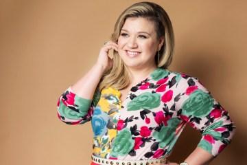 Luego de dos años Kelly Clarkson vuelve con dos sencillos nuevos. Cusica Plus.