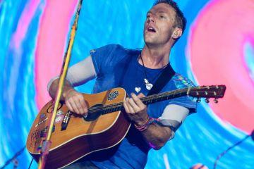 Chris Martin de Coldplay versiona a Paul Simon en el Live Lounge. Cusica Plus.