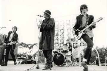 R.E.M maneja con el diablo en una nueva canción inédita de 'Automatic For The People'. Cusica Plus.