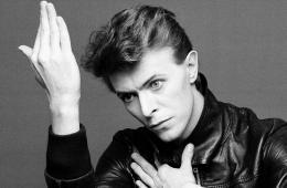 La BBC hizo un documental para radio sobre la grabación del disco 'Heroes' de David Bowie. cusica plus.