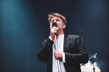 "LCD Soundsystem interpretó ""I Want Your Love"" de Chic a su paso por Nueva York. Cusica Plus."