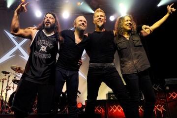 Metallica versiona un fragmento de Baron Rojo en vivo en Madrid. Cusica Plus.