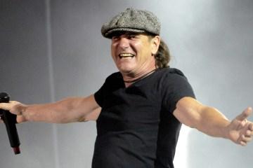 Brian Johnson fue visto alrededor del estudio de AC/DC. Cusica Plus.