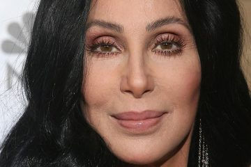 Cher anuncia nuevo disco titulado 'Dancing Queen'. Cusica Plus.