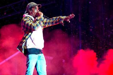 Travis Scott comparte su nuevo disco 'Astroworld' con Drake, Frank Ocean y Tame Impala. Cusica Plus.