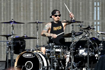 Travis-Barker-Cusica-Plus