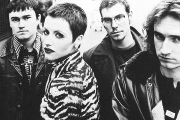 """Vuelve a escuchar la voz de Dolores O'Riordan junto a The Cranberries en el sencillo """"Íosa"""" . Cusica Plus."""