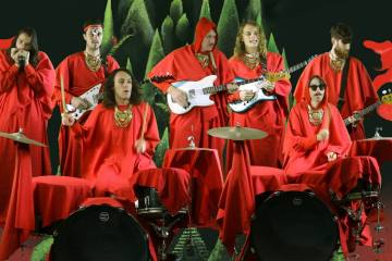 King Gizzard &The Lizard Wizard nos pone a bailar en su nuevo tema. Cusica Plus.