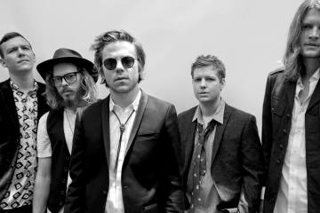 "Cage The Elephant nos deja escuchar la explosiva ""House Of Glass"". Cusica Plus."